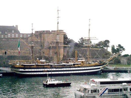 L'arrivée de l'Amérigo Vespucci