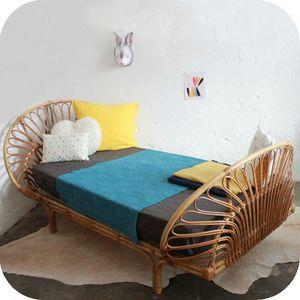 D565_mobilier-vintage-lit-rotin-corbeille-a-400x400
