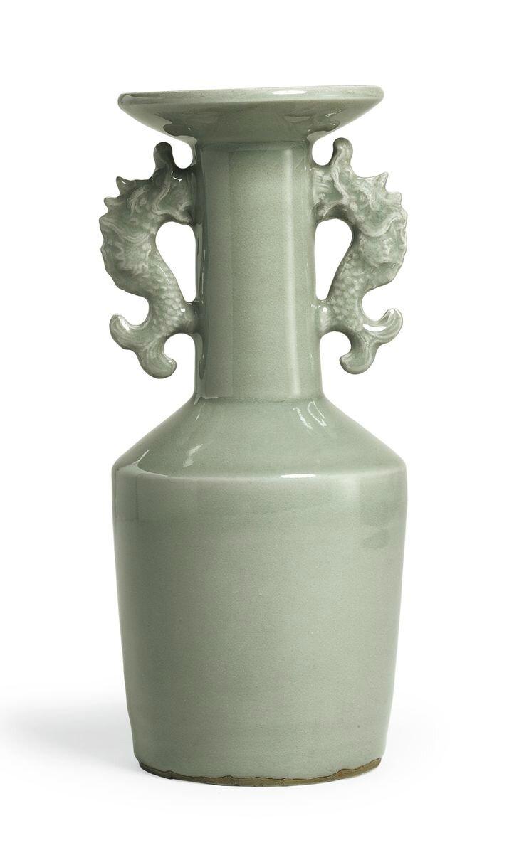 A rare 'Longquan' celadon 'Kinuta' mallet vase, Southern Song dynasty