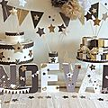 Décoration de baptême thème étoiles chocolat, blanc neigeux et doré