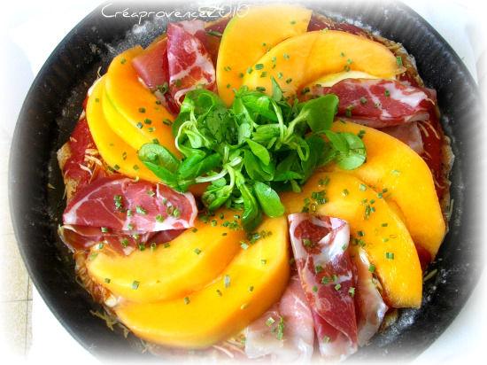 Pizza s 39 more italiana mozzarella coppa jambon cru melon prunille fait son show - Melon jambon cru presentation ...