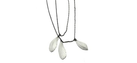 collier-plumes