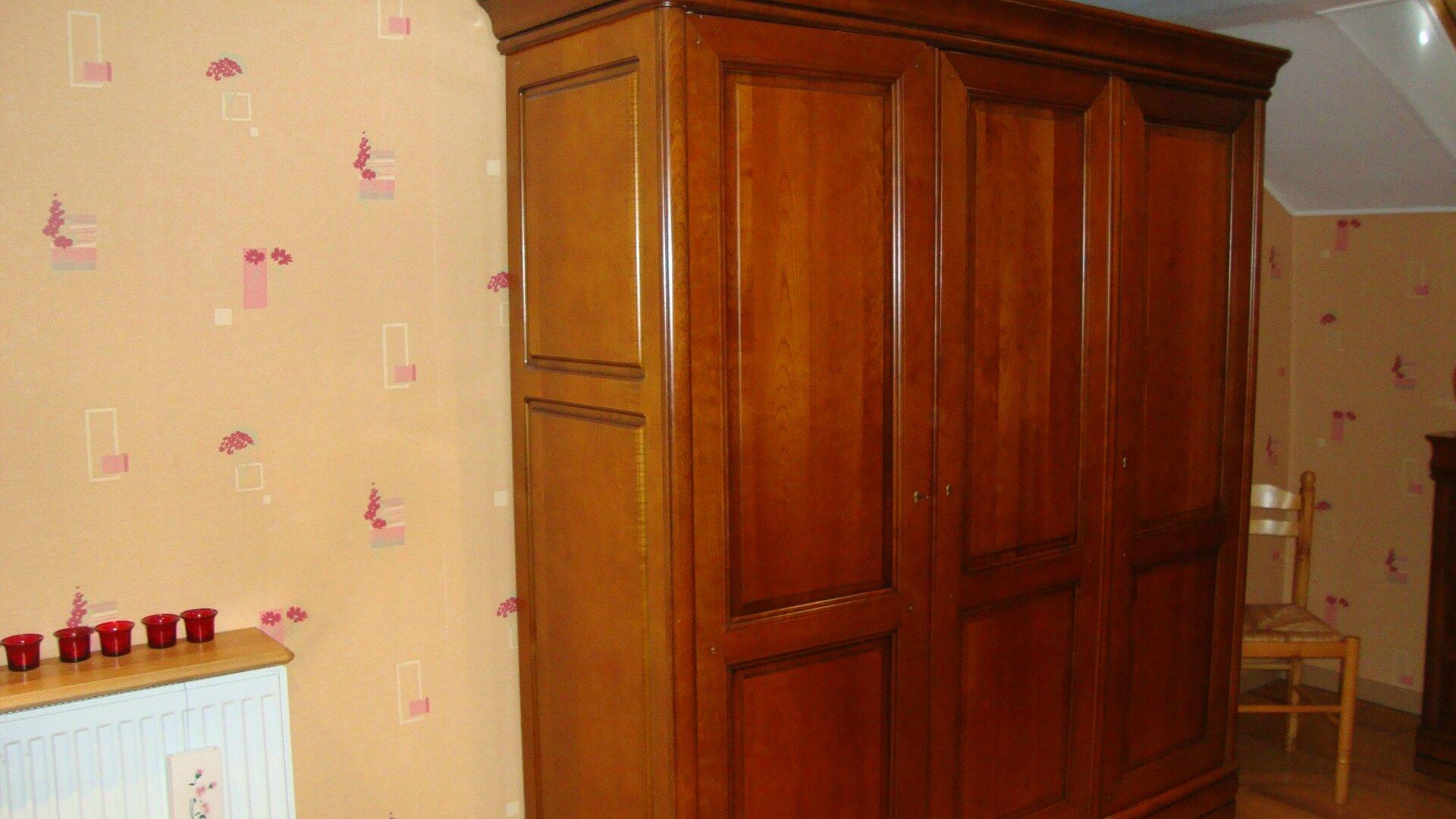 armoire bonneti re pantalonni re relooking meuble. Black Bedroom Furniture Sets. Home Design Ideas