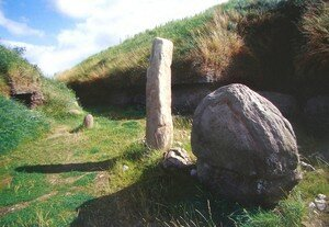 Newgrange_Knowth_Entr_e_a