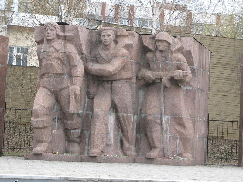 Valeureux travailleurs soldats