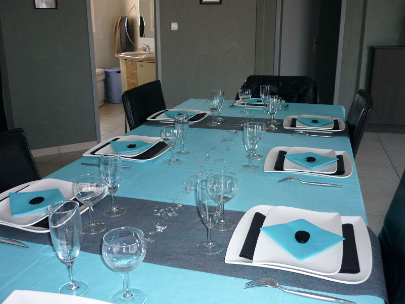 table grise et turquoise pour les 3 ans de ma fille la cuisine de galou. Black Bedroom Furniture Sets. Home Design Ideas
