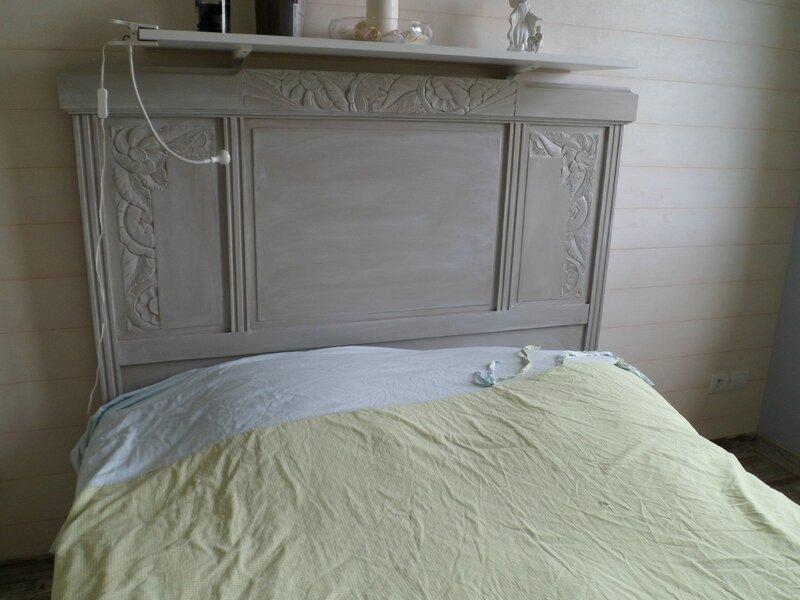 Ancien lit repeint cr me2cassis - Relooker un lit ancien ...