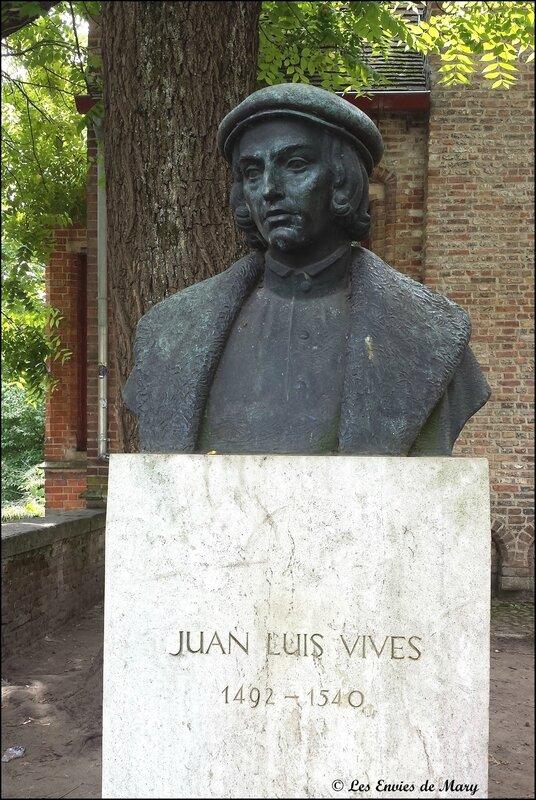 Statue Juan Luis Vives