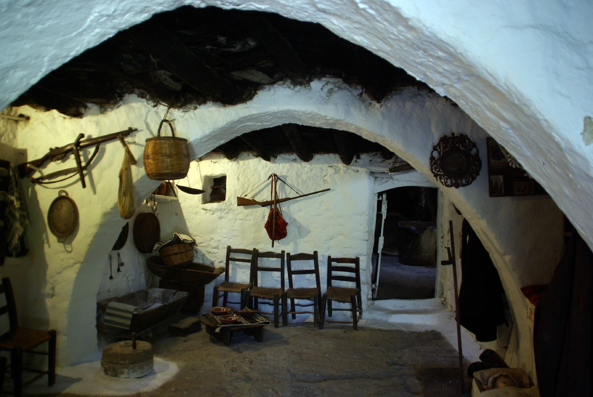 Int rieur d 39 une maison cr toise habit e jusqu 39 en 1979 photo de plateau de lassithi crete en for Interieur d une maison
