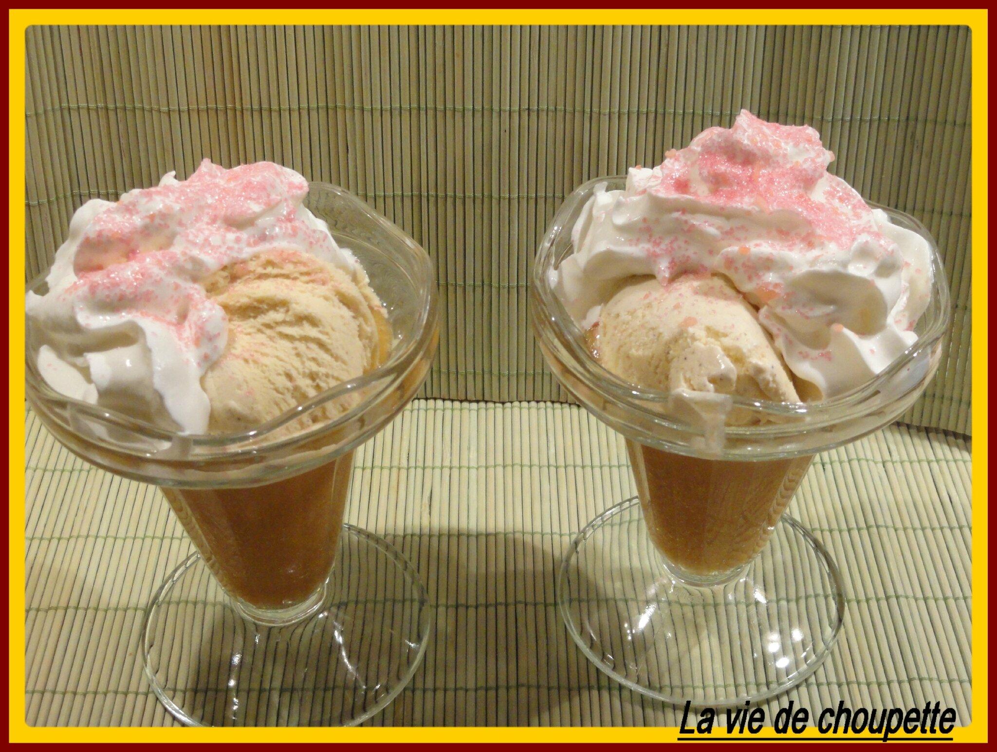 Coupe compote de mirabelle glace vanille et chantilly maison quand choupette et papoune cuisinent - Faire de la chantilly maison ...