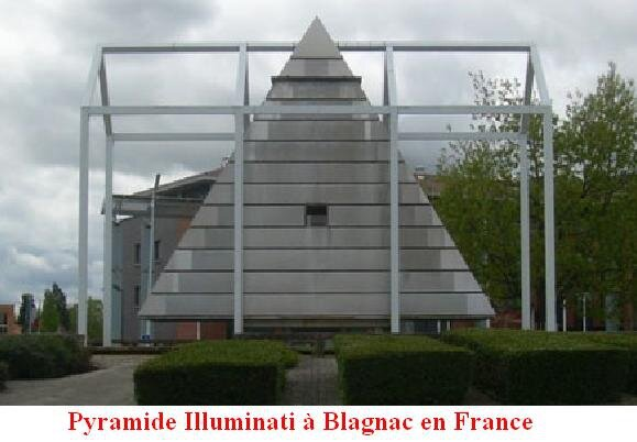 Pyramide_Illuminati_a_Blagnac_en_France