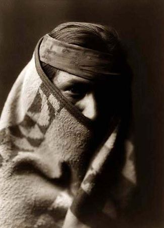 Navaho_Wrapped_in_Blanket