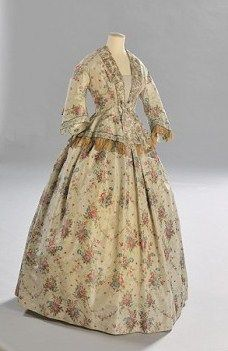 Mode_dossier_exposition_versailles_tendance_histoire_Robe_de_ville_galerie_principal
