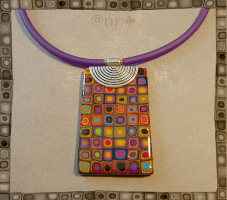 Collier_multi_multicolore_rectangle_sur_m_tal