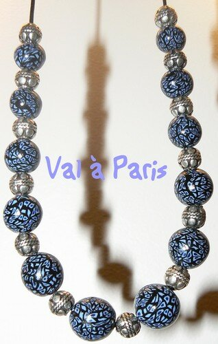 collier_noir_bleu