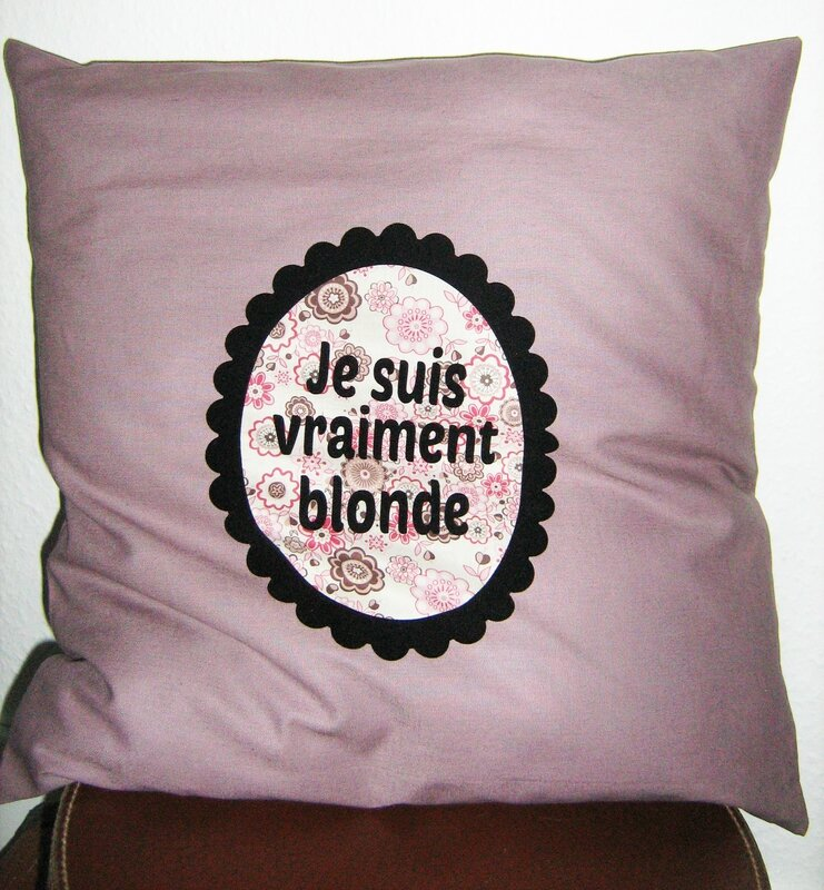 COM coussin blonde