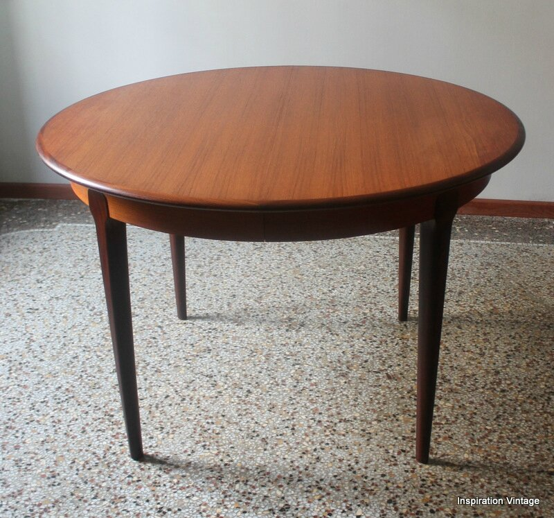 Table 60 39 s en teck esprit scandinave inspiration vintage for Table ronde rallonge scandinave