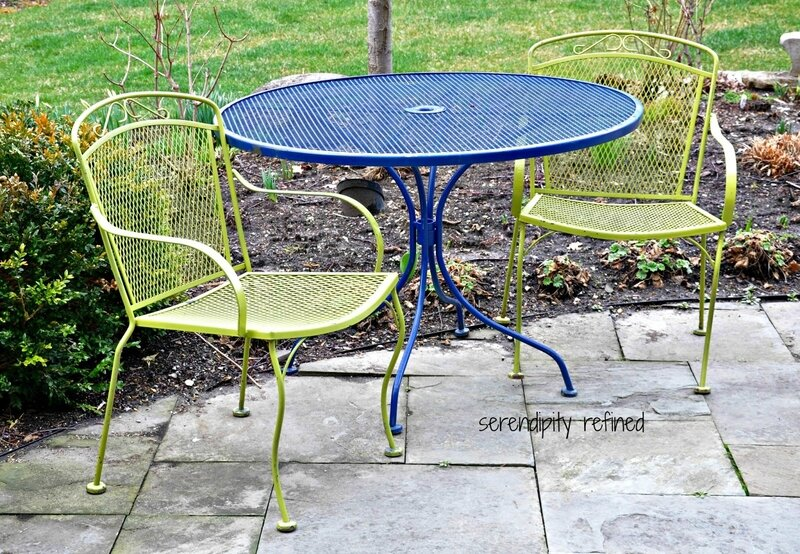 brightly-colored-wrought-iron-patio-furniture-spray-paint-makeover