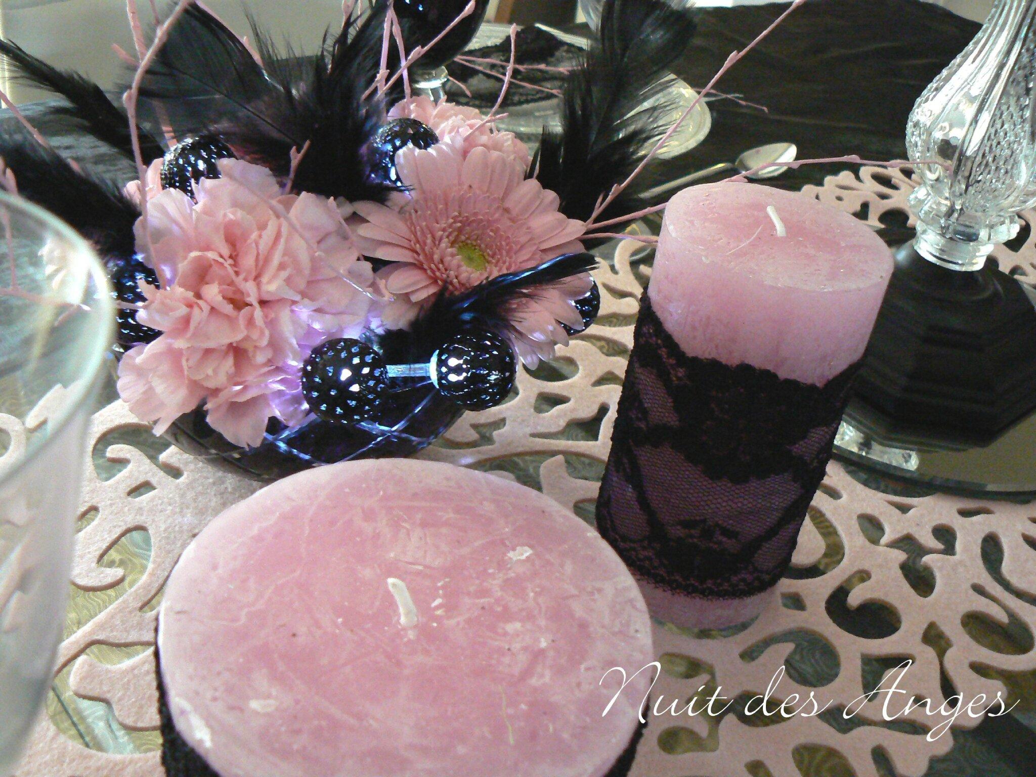 D coration de table noir et rose boudoir nuit des anges for Table de nuit rose