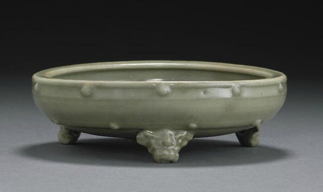 A small Longquan celadon censer, Ming dynasty