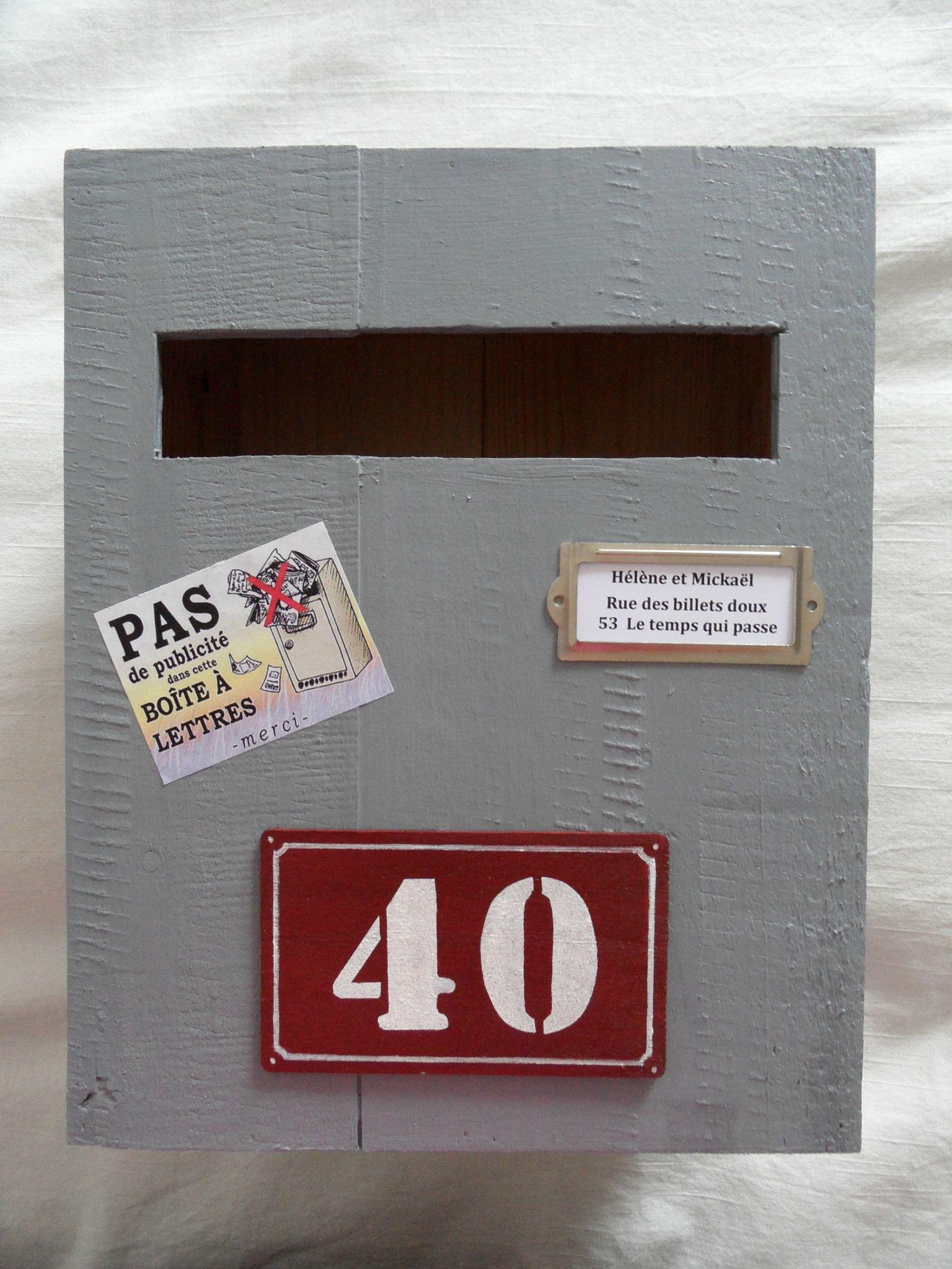 fabriquer une cagnotte boite cagnotte scrapapam85 une id e pour une urne faire soi m me j 39. Black Bedroom Furniture Sets. Home Design Ideas