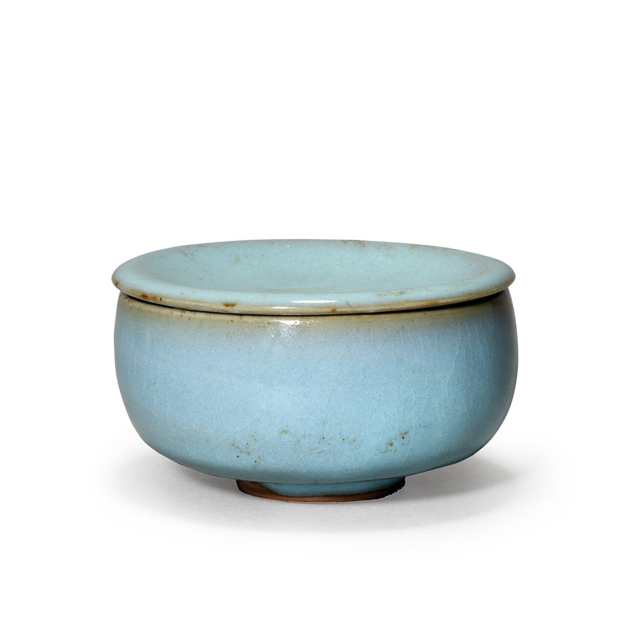 An extremely rare junyao lavender blue glazed teabowl with cover, Northern Song Dynasty (AD960-1127)