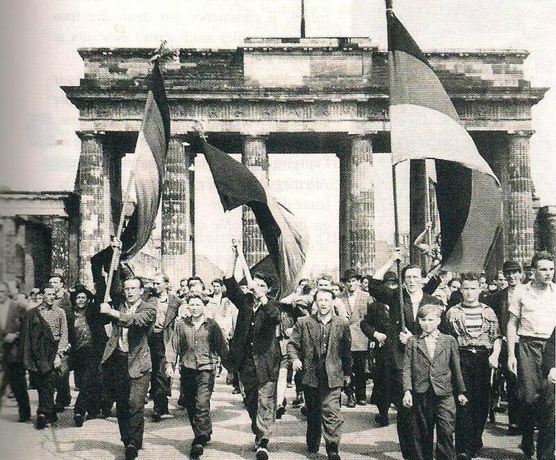 photo mouvement socialiste RDA - émeutes Berlin 1953 2
