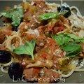 Spaghetti aux boulettes de merguez, poivron, courgette, olives noires