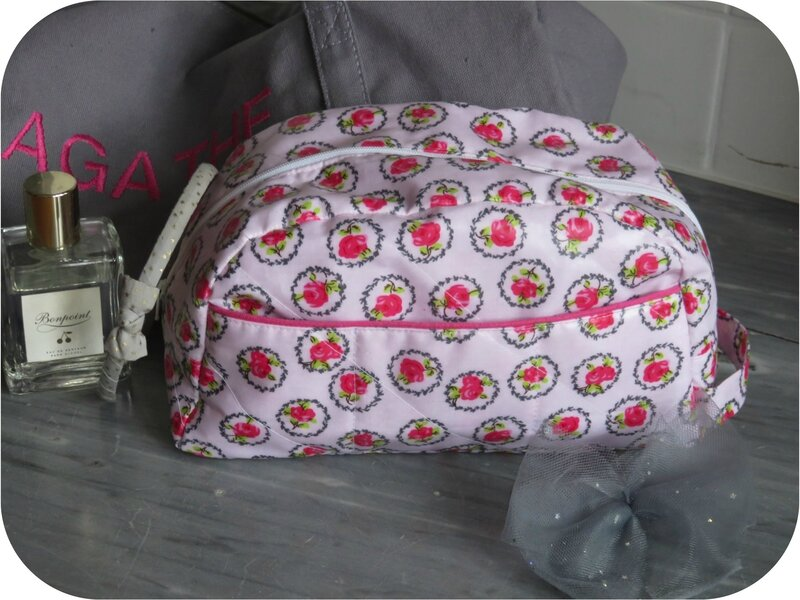 Trousse de toilette rose 2