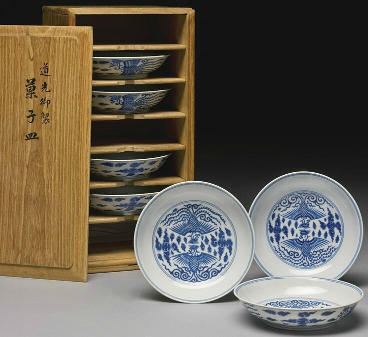 Seven blue and white 'Phoenix' dishes, Qing dynasty, 19th century