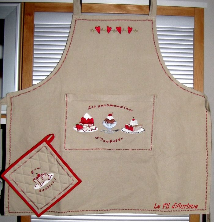 Tablier gourmandises photo de broderie machine le fil for Patron tablier de cuisine gratuit