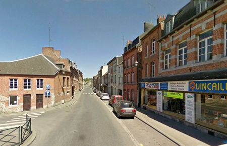 AVESNES-Rue de Mons6