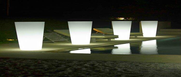 eclairage-exterieur-luminaire-piscine-terrasse-spot-solaire