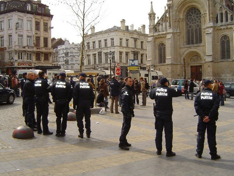 2006 - Evacuation du Parvis de St Gilles
