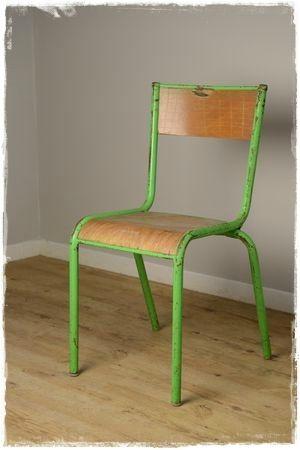 chaise d'école avant