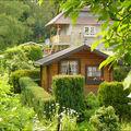 Verdure...soleil...une belle maison...je l'adore.