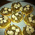 Fines tartelettes au confit d'oignon et foie gras