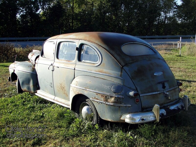 monarch-4door-sedan-1946-1948-03