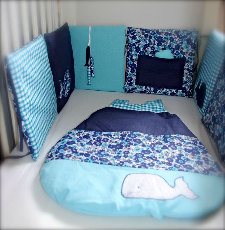 tour de lit et gigoteuse 0 6 mois bleu et turquoise sur commande little fish shop. Black Bedroom Furniture Sets. Home Design Ideas