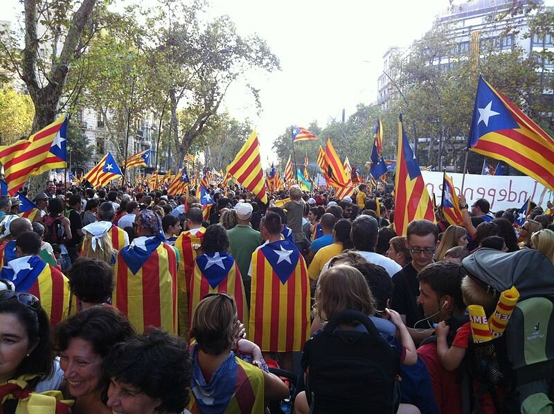 800px-2012_Catalan_independence_protest_(75)