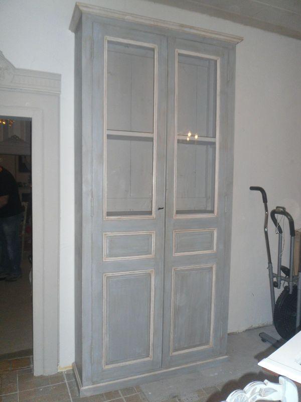 Grand vaisselier gris for Couleur peinture porte en bois