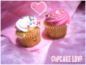 cupcakes_can_love_too_by_lunascissorhands