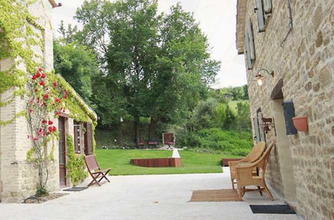 modern_vacation_rentals_marche_italy_006