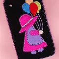Feutrine Étui Téléphone Petite fille aux ballons 19cmx11cm