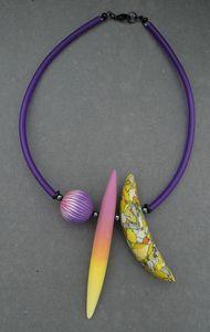 903_collier_2_pods1perle_buna_violet