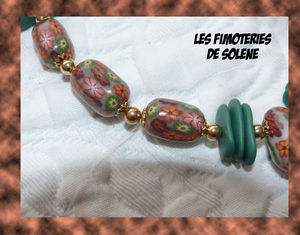 Zoom_collier_perles_fleurs