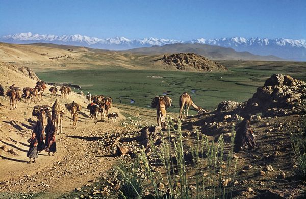 1967 JBourgeois Afghanistan nomades caravane