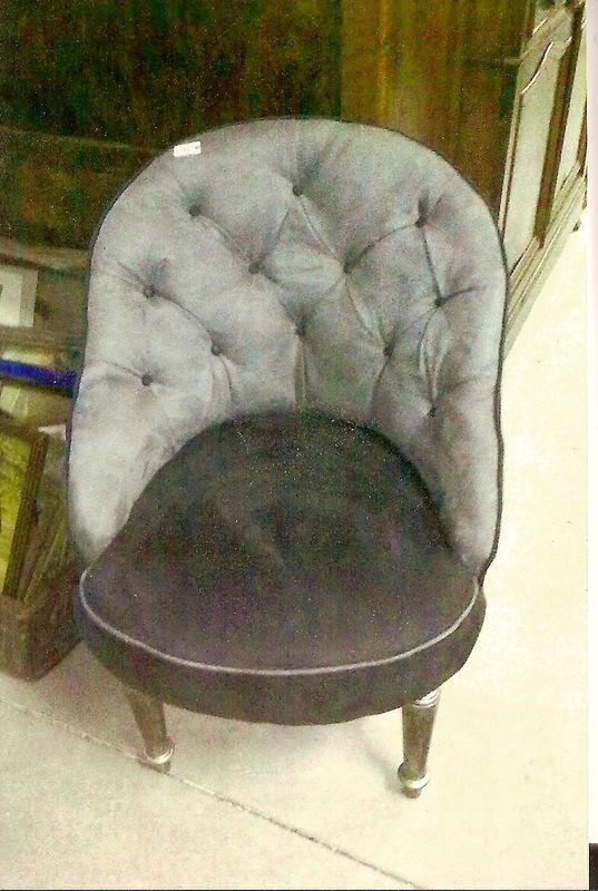 rencontre le grenier de manon et lola. Black Bedroom Furniture Sets. Home Design Ideas