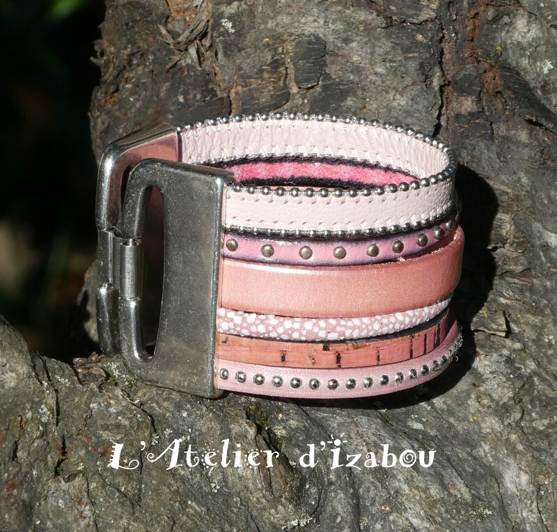 P1000846 Bracelet manchette femme cuirs roses multirangs