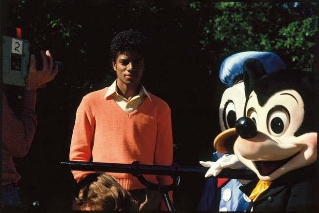 Mikey-n-Mickey-michael-jackson-8972836-653-437
